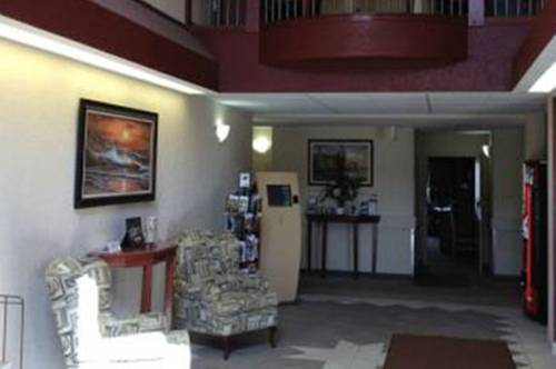 Lakeview Inn & Suites - Chetwynd