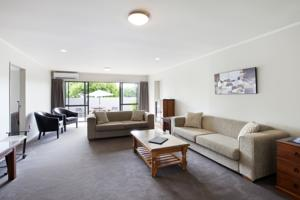 Colonial Court Motor Inn Hotel  Motels  Tauranga
