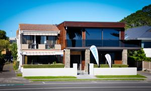Aqua Beachfront Motel Hotel  Motels  Mount Maunganui