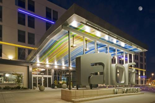Aloft Chicago O