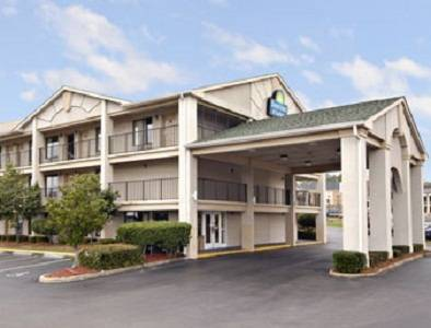 Days Inn and Suites - Mobile